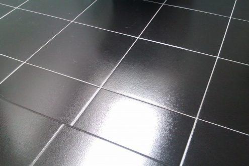 плитка на пол черная